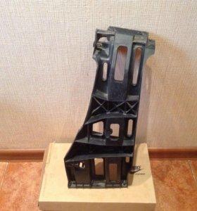 Кронштейн заднего бампера Мерседес W221