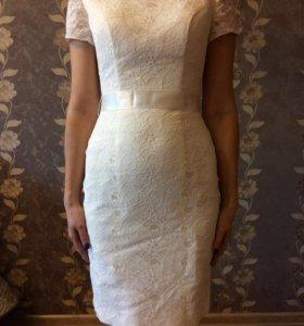 Короткое свадебное платье+туфли в подарок.
