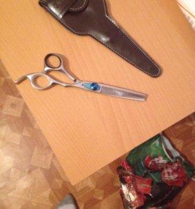 """Парикмахерские ножницы""""Olivia Garden""""."""