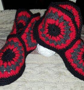 Тёплые, удобные домашние тапочки-сапожки-носочки.