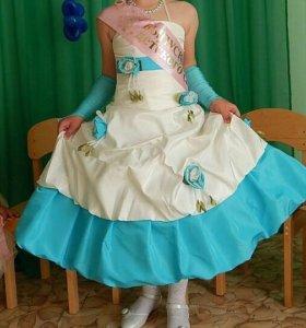 Платье на девочку рост 128-134см