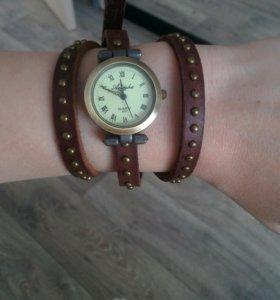 Часы женские новые+ часы мужские