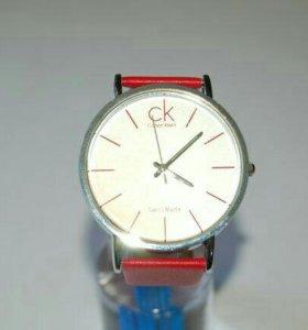 Часы женские CK