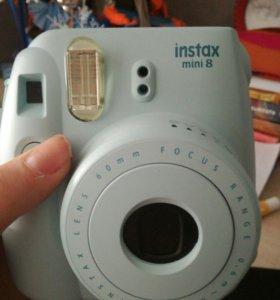 Фотоаппарат мгновенной печати instax mini 8