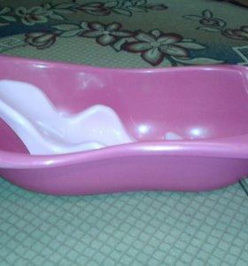 Ванночка для купания ребенка.