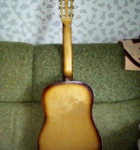 Гитара без чехла,с чехлом1500