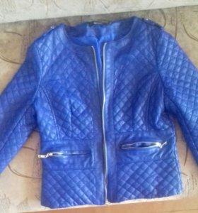 Продам куртки размер (44-46)