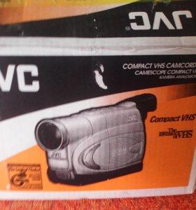 Видио камера JVC пользовались раза 3