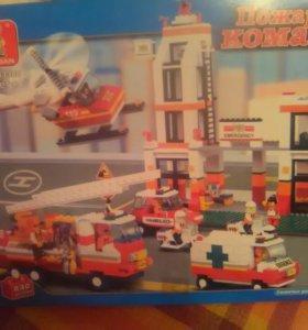 Лего 800 деталей
