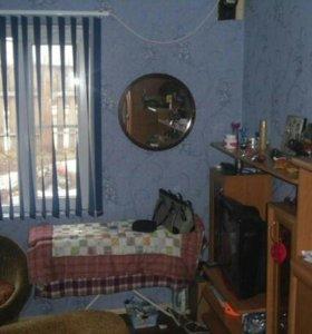 Трех комнатная квартира в двух квартиром доме.