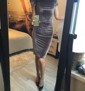 Новое красивое и удобное платье