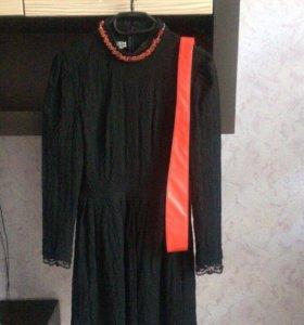 Нарядное платье + пояс и колье