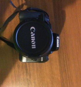 Зеркальный фотоаппарат Canon 400d