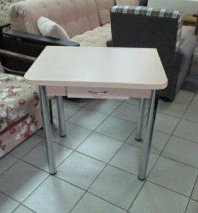 Стол раскладной с ящиком дуб молочный. Ножки хром.