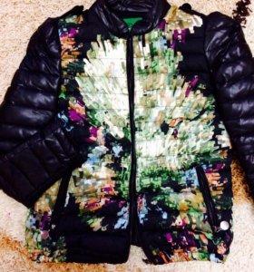 Демисезонная куртка с кожаными рукавами