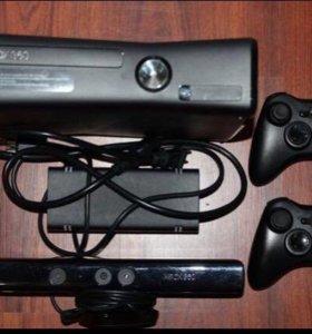 Xbox 360 , Kinect, 2 геймпада  и игры.