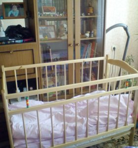 Кроватка детская+ матрас.