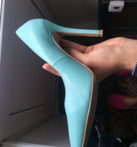 Кожаные туфли мятного цвета