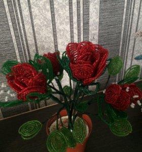 Цветы из бисера (ручная работа)