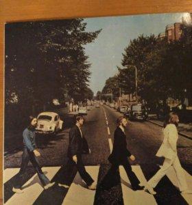 Пластинка Beatles.