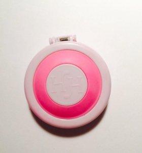 Розовый мелок для волос.
