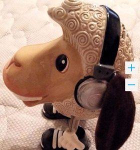 Копилка овца с мягкими ушами и ручками на пружинке