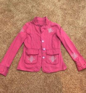 Пиджак теплый с вышивкой 46-48
