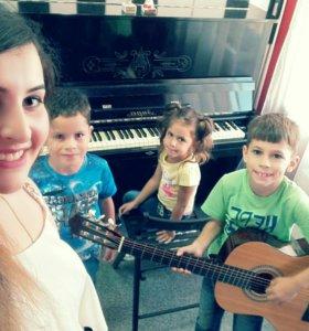 Уроки вокала, сольфеджио и фортепиано и гитары