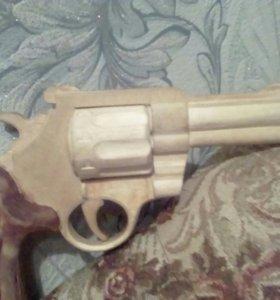 Пистолет Digl из дерева