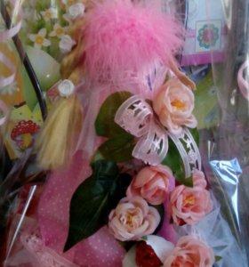 Кукла с конфетами