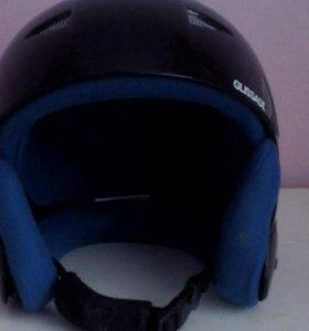 Горно лыжный шлем.