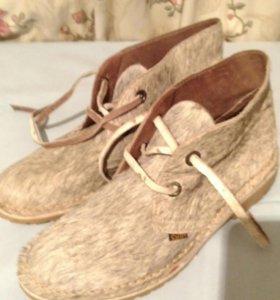 Распродаю обувь. Эксклюзивные ботинки.