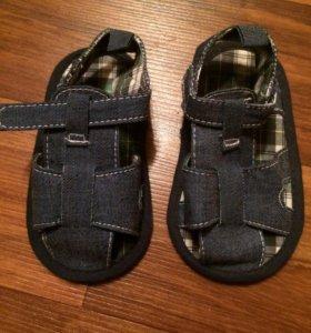 Новые сандалии 19 размер