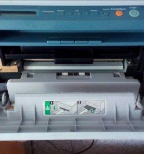 Продаю принтер полностью исправен