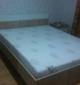 Кровать двуспальная+ортопедические матрас и решетк