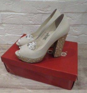 Шикарные туфли Mascotte