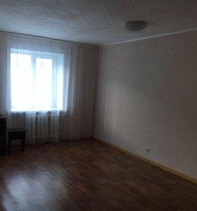 Продам 2 комнатную квартиру.