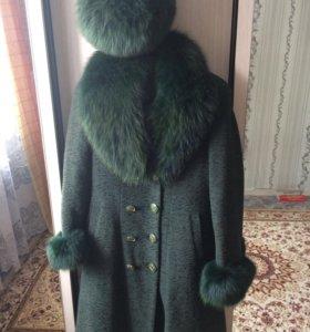 Пальто с шапкой4000 торг,костюм с юбкой 500р
