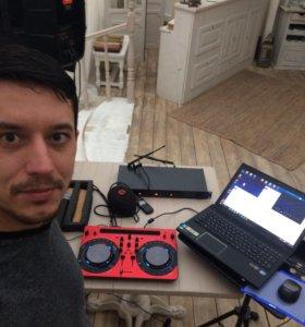 Dj диджей музыкант с аппаратурой