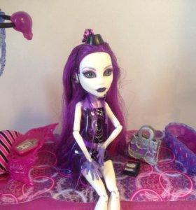 Кукла Монстр хай  + кровать