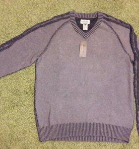 Новый мужской свитер.