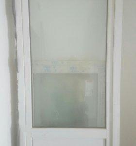 Пластиковая дверь+ окно!(балконный проемкомплект)