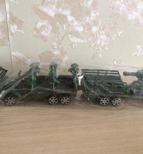 Военная машина колесница и солдатики