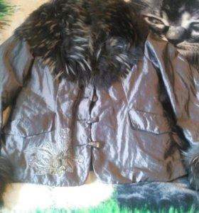 Куртка.Подкладка кролик,мех енот.Очень теплая.