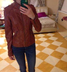 Куртка из кожзаменителя