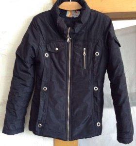 Куртка женская на 42-44 размер. синтепон