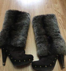 Меховые сапожки на каблуке
