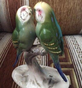 """Фарфоровая статуэтка""""Попугаи Неразлучники""""Германия"""