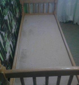 Кровать двухярустная в хорошем состоянии