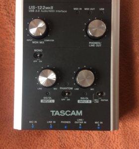 Звуковая карта Tascam US-122